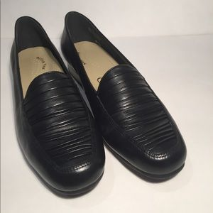 NIB Selby 7B Black Leather Dress Loafer